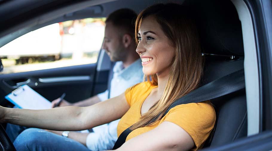 Ta körkort i Sundbyberg – tal av trafikskola och annat att tänka på